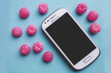 smartphone-technology-sugar-white.jpg